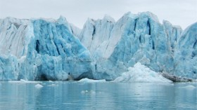 Calving ice sheets in today's Arctic