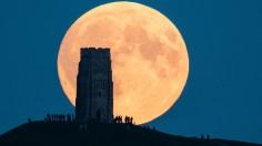 A Total Lunar Eclipse Spawns Blood Supermoon