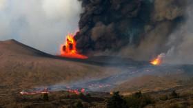 Mount Etna erupting 2002
