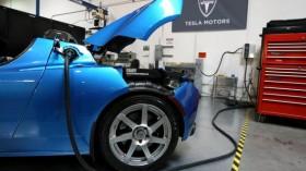 Schwarzenegger Tours Tesla Motors To Highlight Green Technology