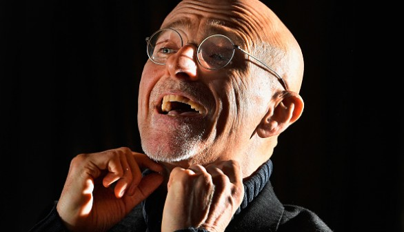 The surgeon behind the first human head transplant is using virtual reality to prepare his patient