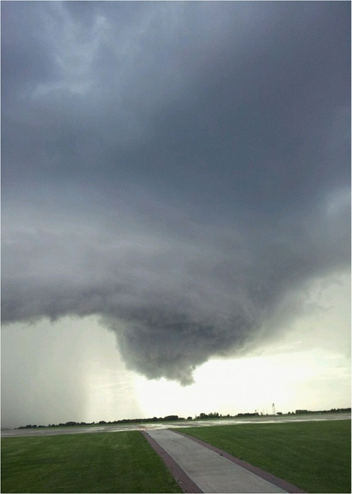 Thunderstorms, Tornadoes and Hail Forecasted to Erupt in Central and Southern US