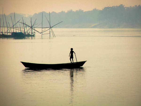 River Pollution from Plastic Fishing Gear Threatens Ganges River Wildlife