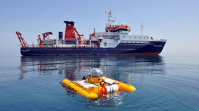 German research vessel MARIA S. MERIAN and the submersible JAGO