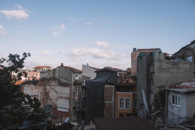 Tsunami warning: Huge quake hits Jamaica sparking tsunami terror in Caribbean & Cuba